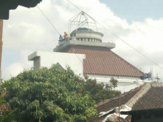 Pemasangan Kubah Masjid